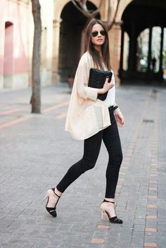 Kimono has been a fashion staple for boho chic outfits. Now it has become one of the trendiest item for summer. Here are 12 cute outfit ideas for kimono jackets Estilo Fashion, Moda Fashion, Ideias Fashion, Womens Fashion, High Fashion, Basic Style, Style Me, Black Style, Simple Style
