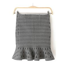 Black White Ruffle Houndstooth Skirt (56 PEN) ❤ liked on Polyvore featuring skirts, flounce skirt, houndstooth skirt, frill skirt, ruffle skirt and frilly skirt Ruffled Skirts, Frilly Skirt, Black And White Skirt, Black White, Houndstooth Skirt, No Frills, My Outfit, Mini Skirts, Polyvore