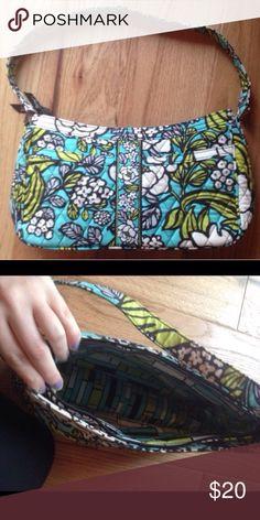 BRIGHT VERA BRADLEY PURSE Beautiful Vera Bradley purse great condition vibrant colors 13 inch wide X 7 Inch tall! SMOKE FREE HOME FAST SHIPPING Vera Bradley Bags