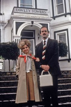 I know this isn't Monty python but Fawlty Towers is to good to not pin and there's john Cleese soooo. British Tv Comedies, Classic Comedies, British Comedy, British Actors, Sybil Fawlty, V Drama, Radios, English Comedy, Fawlty Towers