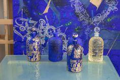 10 000 euros, c'est le prix de ce parfum exceptionnel signé Guerlain Arabesque, Parfum Guerlain, Fantasy Gifts, Le Prix, Nye Party, Luxury Gifts, Bee, Vogue Paris, Bottle