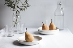 Poached Pears with Pistachio Praline | Migalha Doce