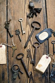 I love antique keys. They have so much narrative potential that I want to imagine a story for each one.The small key went to a beautif. Antique Keys, Vintage Keys, Vintage Love, Under Lock And Key, Key Lock, Key Key, Knobs And Knockers, Door Knobs, Cles Antiques