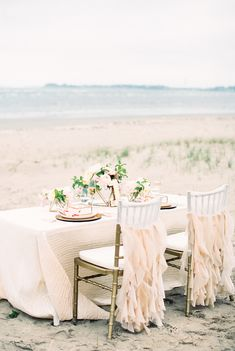 Photography: Ruth Eileen - rutheileenphotography.com  Read More: http://www.stylemepretty.com/2014/09/05/watercolor-wedding-inspiration-shoot/