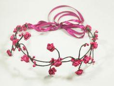 Confira aqui - Tiara de Flores Pequenas Pink - G.Offer