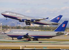 Airliners.net - Classic shot of two United Airlines B747-422 Sisters meeting at Los Angeles during 2001's fall. Paul Paulsen.