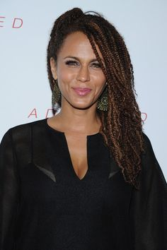 Nicole Ari Parker Photos Photos - Actress Nicole Ari Parker attends the New York Premiere of 'Addicted' at Regal Union Square on October 2014 in New York City. - 'Addicted' Premieres in NYC Box Braids Hairstyles, Senegalese Twist Hairstyles, African Hairstyles, Protective Hairstyles, Nicole Ari Parker, Marley Braids, Curly Hair Styles, Natural Hair Styles, Breaking Hair