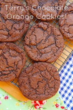 Terry's Chocolate Orange Cookies - Delicious Moist & Crunchy Cookies full to the brim with chunks of Terry's Chocolate Orange – heavenly. Biscuit Cookies, Biscuit Recipe, Bar Cookies, Baking Recipes, Cookie Recipes, Dessert Recipes, Orange Recipes, Sweet Recipes, Chocolate Orange Cookies