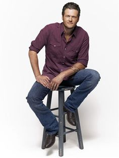 Country singer Blake Shelton is adorable in purple! I'm not a country fan, and I have only heard his first hit, Austin, but he's pretty good!