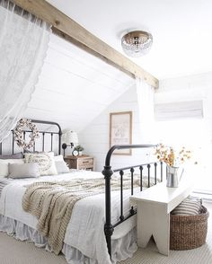 Fall Bedroom Fall Into Home Tour 2019 A beautiful farmhouse bedroom decorated with simple touches of fall! The post Fall Bedroom Fall Into Home Tour 2019 appeared first on House ideas. Fall Bedroom, Modern Farmhouse Bedroom, Farmhouse Master Bedroom, Home Bedroom, Girls Bedroom, Rustic Farmhouse, Farmhouse Style, Urban Farmhouse, Farmhouse Design