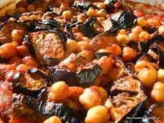 Ρεβίθια με μελιτζάνες στον φούρνο Vegetarian Recipes, Cooking Recipes, Healthy Recipes, Legumes Recipe, Baked Eggplant, Greek Cooking, Beach Meals, Greek Dishes, Lunch To Go