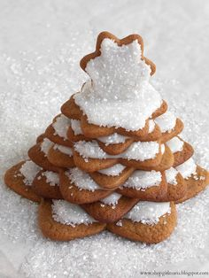Shopgirl: Gingerbread Cookie Tree - great alternative to a gingerbread house. And less likely to fall apart :)