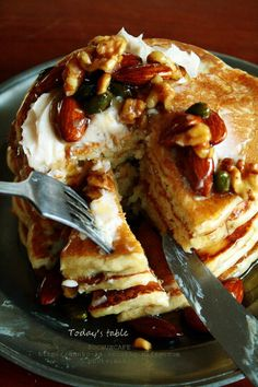 Honey nuts pancakes