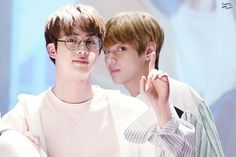 Find images and videos about kpop, bts and jungkook on We Heart It - the app to get lost in what you love. Bts Jin, Bts Taehyung, Bts Bangtan Boy, Namjin, Yoonmin, Jung Hoseok, Seokjin, V And Jin, Worldwide Handsome
