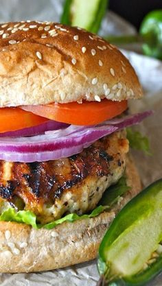 Grilled Jalapeno Pepper Jack Turkey Burger Grilled Jalapeño Pepper Jack Turkey Burger - Just imagine that rich and creamy, slightly spicy cheese added to the heat of the peppers -- all in a delicious burger! Turkey Burger Recipes, Ground Turkey Recipes, Hamburger Recipes, Sausage Recipes, Grilling Recipes, Cooking Recipes, Healthy Recipes, Cooking Fish, Food Network
