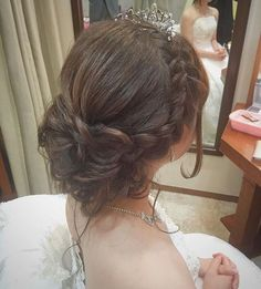 Popular hair ideas you can try! Bridal Hairdo, Hairdo Wedding, Wedding Hair And Makeup, Hair Makeup, Eye Makeup, Rustic Wedding Hairstyles, Bride Hairstyles, Pretty Hairstyles, Hair Arrange