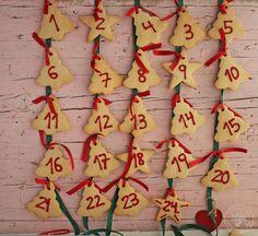 Cocinando entre Olivos: Cómo hacer un Calendario de Adviento con galletas paso a paso Xmas, Christmas, 9 And 10, Gingerbread Cookies, Blog, Recipes, Christmas Eve Dinner, Cookie Cutters, Gingerbread Cupcakes