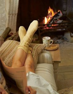 How hygge can turn winter into a happy time suffused with light, love, friendship and warmth. Visit Mocha now to learn all about hygge. Fall Inspiration, Positive Inspiration, Autumn Aesthetic, Cosy Aesthetic, Getting Cozy, Laura Ashley, Simple Pleasures, Belle Photo, Warm And Cozy