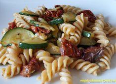 pasta with zucchini - Makaron - Zucchini Pasta, Ethnic Recipes, Food, Essen, Zucchini Noodles, Meals, Yemek, Eten