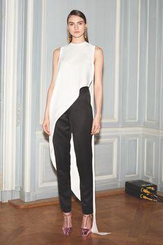 look 3 - Juan Carlos Obando Fall 2015 Ready-to-Wear Collection Photos - Vogue Fashion Week Paris, Fashion Show, Fashion Outfits, Womens Fashion, Fashion Design, Fashion Trends, Vogue, Juan Carlos Obando, Black White Fashion