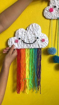 Was eine tolle #DIY Idee. Danke für dieses #hilfreiche #Video #Tutorial.  Dein balloonas.com Team   #diy #basteln #bastelnmitkindern #tutorial #anleitung #bastelanleitung #video Yarn Crafts For Kids, Diy For Kids, Fun Crafts, Arts And Crafts, Paper Crafts, Crafts With Wool, Easy Yarn Crafts, Children Crafts, Etsy Crafts