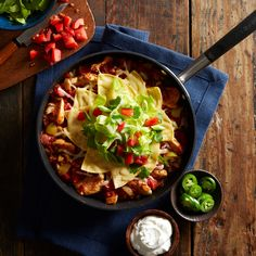 Skillet Green Chile-Chicken Enchilada Casserole Recipe: whole dish: 760 Shrimp Pasta Recipes, Chicken And Shrimp Pasta, Healthy Chicken Recipes, Healthy Dinner Recipes, Cooking Recipes, Diabetic Recipes, Tasty Meals, Chicken Meals, Healthy Cooking