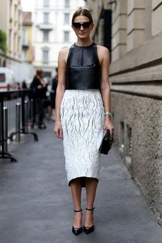 OPT FOR LONGER HEMLINES – miniskirts and mini dresses are cute and all but they have a very street style-ish look to them whereas midis and maxis have a more elegant and classy vibe. It can also add that posh and polished look to your outfit, especially when worn with the right shoes and accessories.