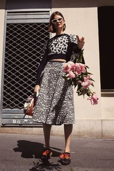 See the complete Carven Resort 2018 collection.
