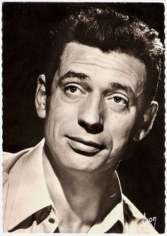 Yves Montand. French postcard by Editions d'art Yvon, Paris, no. 189. Photo: Sam Lévin.