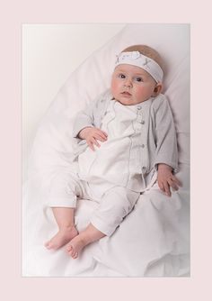 Babygirl, Little girl, white & silver outfit, bow, cute, sparkly, sweet, fresh, cutiepie, love, Motherhood, Fatherhood, Little Girl, Baby Boy, Family Portrait, Children, Baby, Todler, Nap, Sleep, Bed, Metime, Mom, Momblog, Siblings, Fun, Photography Hi! Follow us on instagram: 'ellamaxim'and 'xiosses' Feel free to repin and follow on pinterest! youtube/ellamaxim Don't forget to subscribe to our blog on: www.ellamaxim.com Thank you so much!