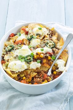 Nacho's met gehakt uit de oven Nacho's met gehakt ui. Healthy Tacos, Quick Healthy Meals, Healthy Recipes, Healthy Food, Easy Oven Baked Chicken, Seafood Diet, Superfood Salad, Food Is Fuel, Rigatoni