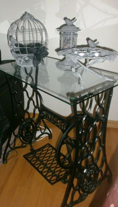 a nice decorating antique sewing machine..DIY..( by Arzu )