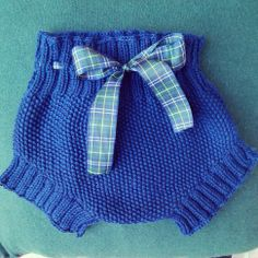 Cobalt blue, plaid ribbon. Seed stitch diaper cover / soaker ~~ Mi creación, pantalón bebe Crochet Baby, Knit Crochet, Baby Pants, Heirloom Sewing, Classic Outfits, Baby Knitting Patterns, Sewing For Kids, Our Baby, Tulum