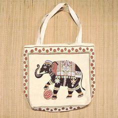 Bolsas sacolas com estampas étnicas. Para seu dia a dia ficar no seu estilo.  Por apenas R$ 3490  Peça a sua em nosso whatsapp: 13 982166299  #modaetnica #bag #elefante #boho #bohostyle
