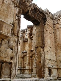 ancientart: The Temple of Bacchus at Baalbek, Lebanon, ca. This stunning Roman temple, still very well preserved, is actually larger than the Parthenon of Athens.Photos courtesy of Varun Shiv Kapur. Ancient Ruins, Ancient Rome, Ancient Art, Ancient History, Mayan Ruins, Ancient Greek, Architecture Antique, Roman Architecture, Art Romain