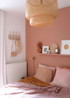 Home Interior Pictures Interior terra wall boho bedroom styling inspiration pink wall - homedesign.Home Interior Pictures Interior terra wall boho bedroom styling inspiration pink wall - homedesign Pink Bedroom Walls, Bedroom Orange, Pink Room, Blush Pink Bedroom, Pink Bedding, Light Pink Bedrooms, Bedroom Wall Shelves, Bedroom Wall Lights, Yellow Bedroom Paint