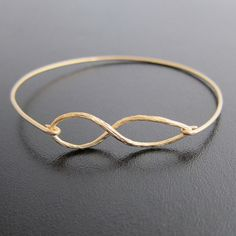 Infinity Bracelet for Women Infinity Symbol Bracelet Infinity Sign Bracelet Infinity Bangle Bracelet Gift for Bridesmaid Bangle Bracelet - Anillos de alambre - The Bangles, Bangle Bracelets, Silver Bracelets, Wedding Bracelets, Wedding Earrings, Infinity Jewelry, Infinity Charm, Infinity Symbol, Infinity Tattoos