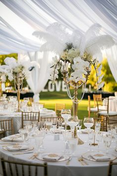 An unforgettable Great Gatsby theme wedding that redefines the term epic complete with aerial flappers. It doesn't get better than this real wedding. Great Gatsby Themed Wedding, Roaring 20s Wedding, Gatsby Themed Party, Wedding Themes, 1920s Wedding Decor, Party Wedding, Art Deco Wedding Theme, Themed Weddings, Wedding Ideas