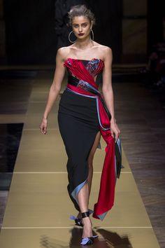 Défilé Atelier Versace Haute Couture automne-hiver 2016-2017 14