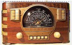 Turn Your Radio On, Lps, Modern Tv Units, Radio Design, Retro Radios, Vintage Television, Old Time Radio, Antique Radio, Record Players