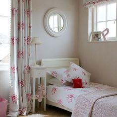 Contemporary #floral girl's #bedroom | Girls' bedrooms | Children's room | PHOTO GALLERY | Homes & Gardens | Housetohome.co.uk