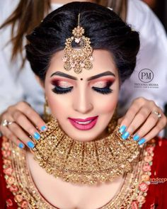 Awesome Bridal Makeover!   PC @makeupbypriyankamehra  #eyemakeup #jewellery #necklace #bride #makeup #wedding #makeupartist #photography Bridal Makeover, Indian Bridal Makeup, Bride Makeup, Indian Weddings, Makeup Yourself, Eye Makeup, Jewellery, Awesome, Earrings