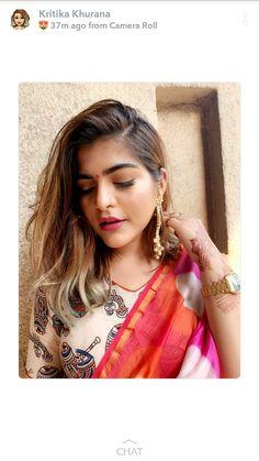 Indian Dresses, Indian Outfits, Kritika Khurana, Saree Draping Styles, Fashion Vocabulary, Saree Models, Boho Girl, Stylish Girl Pic, Traditional Sarees