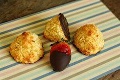MissMuffin: Små kokosmakroner med marcipan