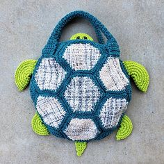 Make this super-fun tote to carry your loom projects! Pin Weaving, Loom Weaving, Scrubby Yarn, Ravelry, Knitted Hats, Crafty, Tote Bag, Knitting, Turtles