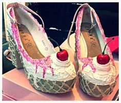 Ice Cream Shoes  •  Free tutorial with pictures on how to revamp a pair of revamped shoes in 10 steps