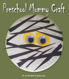 Easy Preschool Mummy Craft for kids. A 5-minute Halloween craft to keep kids occupied from ActivitiesForKids.com #easycraftideasforkids Mummy Crafts, Halloween Arts And Crafts, Halloween Crafts For Toddlers, Theme Halloween, Halloween Crafts For Kids, Toddler Crafts, Happy Halloween, Kids Crafts, Halloween Games For Preschoolers