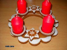 Adventní perníkový věnec Christmas Ornaments, Holiday Decor, Home Decor, Xmas Ornaments, Homemade Home Decor, Christmas Jewelry, Christmas Ornament, Interior Design, Christmas Baubles