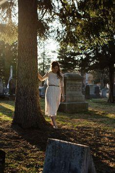 Kendra Lynne Photography || #graveyard #cemetery #styledphotoshoot #cemeteryphotoshoot #graveyardphotoshoot #cemeterygirl #graveyardgirl #photography #graveyardphotography http://kendralynnephotography.com/