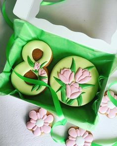 ideas for womens power 8 march Mother's Day Cookies, Fancy Cookies, Birthday Cookies, Custom Cookies, No Bake Cookies, Cookie Icing, Royal Icing Cookies, Sugar Cookies Recipe, Cake Decorating Piping